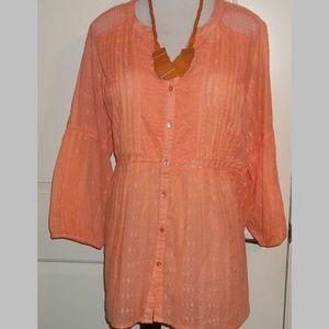 Ladies Perfect peach lace detail top Avenue EUC